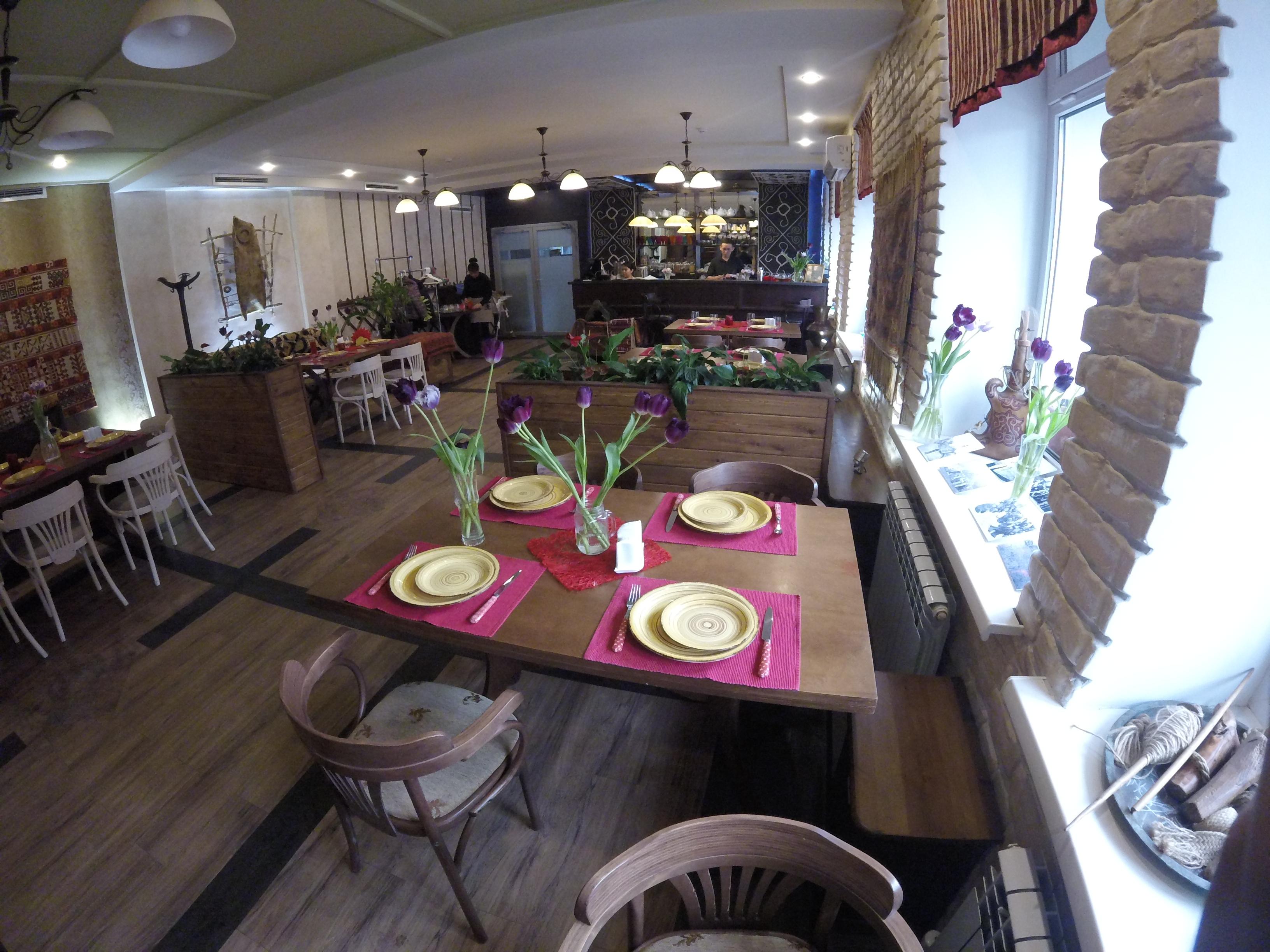 Ресторан казахской кухни Baursak city — без алкоголя.