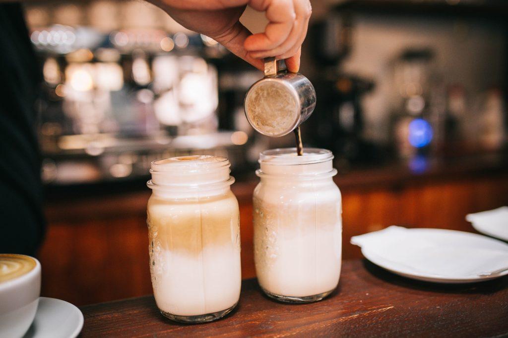 Приготовление кофе.